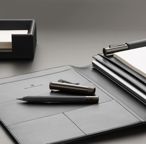 Graf von Faber-Castell 'Perfekter Bleistift' black Edition MAGNUM